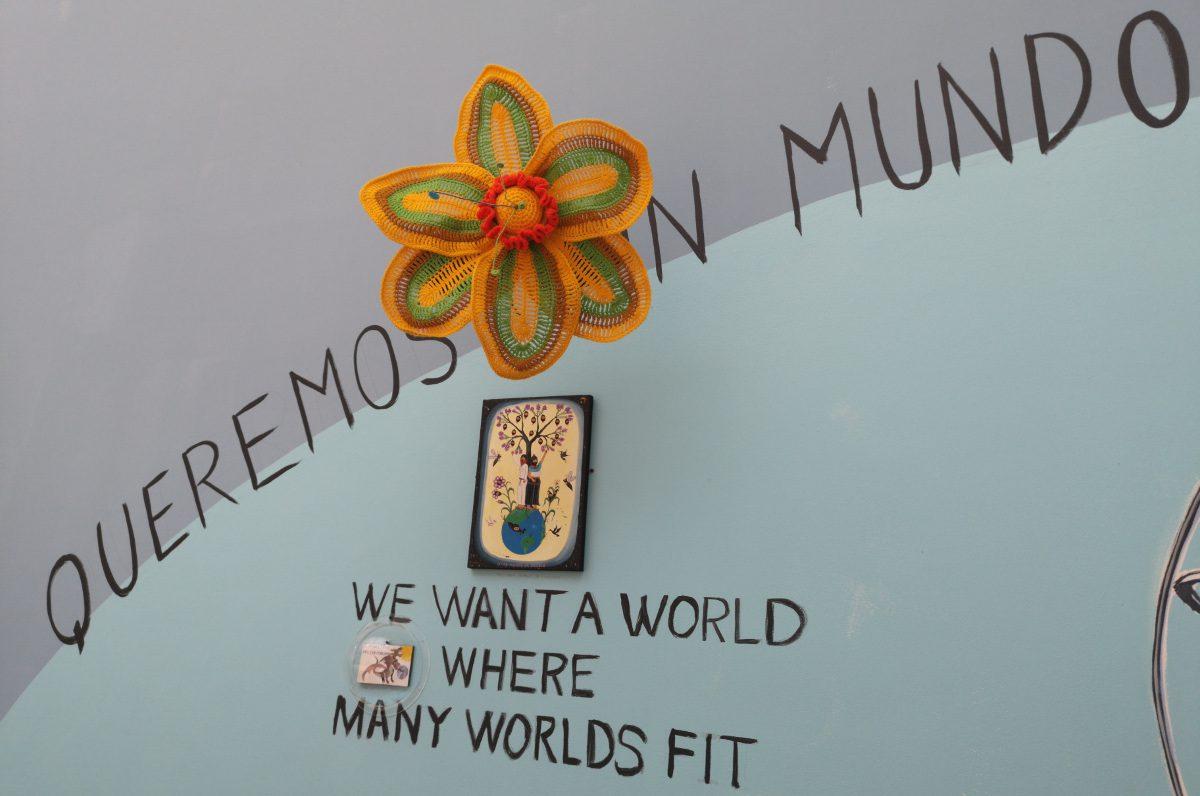 Mundos Alternos exhibition